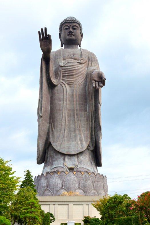El gran buda de Ushiku